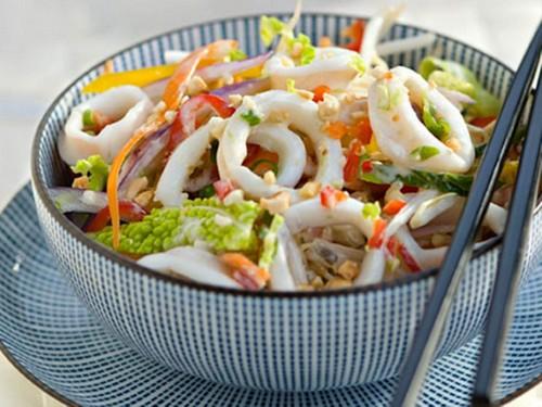 5 вариаций салата с кальмарами на Новый Год 2020