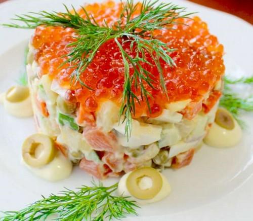 Новогоднее оливье: как разнообразить, но сохранить вкус любимого блюда