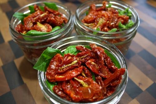 Вяленые помидоры в духовке – особенности приготовления