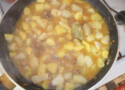 5 блюд с тушёнкой на сытный ужин