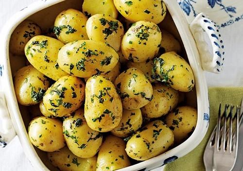 5 способов сделать отварной картофель вкуснее