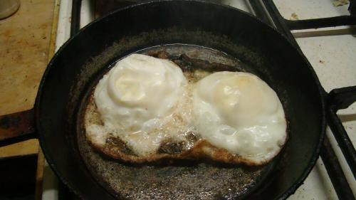 5 способов запороть яишенку с колбасой