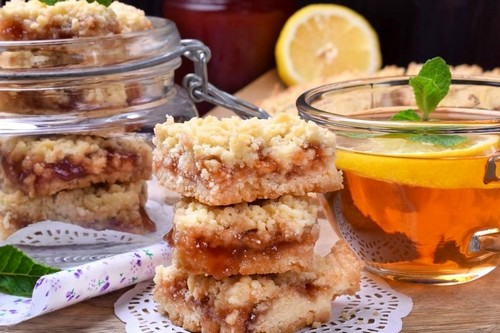Песочное печенье с вареньем и крошкой – просто и вкусно
