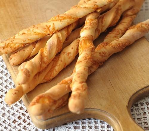 Сырные палочки – 5 вариаций самодельной закуски