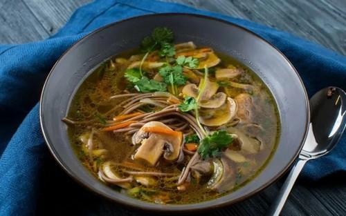 Грибной суп с макаронами – простой рецепт