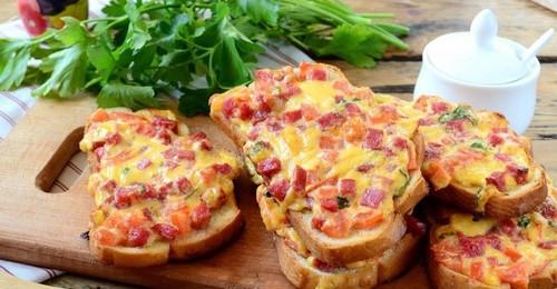 Вкуснятина – 3 простых рецепта горячих бутербродов