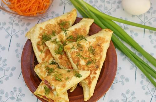 Быстрый перекус – 3 варианта конвертов из лаваша с начинкой