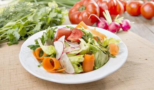 3 легких освежающих летних салата