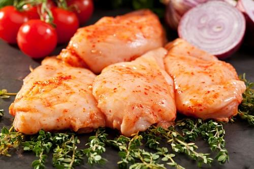 3 рецепта маринада для куриных бедрышек на мангале
