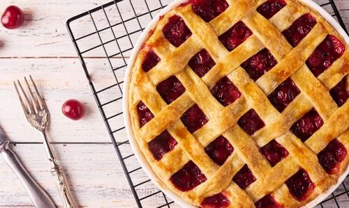 вишневый пирог из слоеного теста