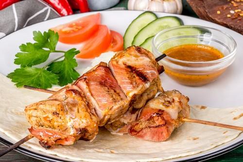 Шашлык из нежного филе индейки – 3 рецепта приготовления