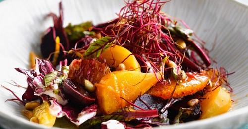 4 рецепта летних салатов с репой прямо с огорода
