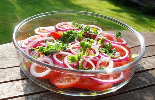 3 летних дачных салата со своими помидорами