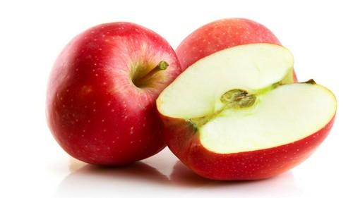 3 освежающих салата с ароматными яблоками