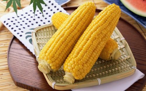 «Варись початок, варись» - 5 лайфхаков по варке свежей кукурузы