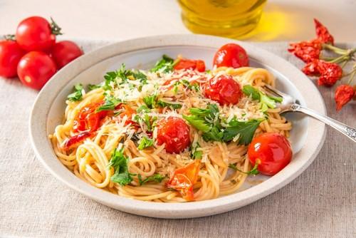Разнообразим меню: 8 простых блюд с макаронами