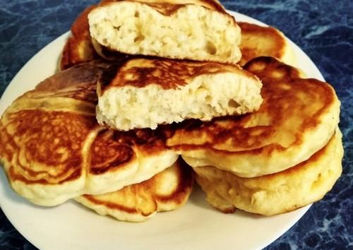 Оладьи с припеком: 7 вариантов начинки в тесто