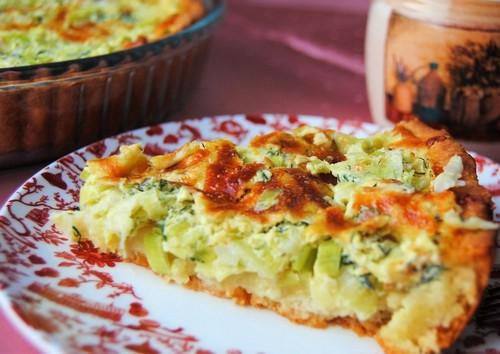 И вершки, и корешки: нежный крем-суп из белой части лука-порея, ароматный пирог из зелёных стеблей
