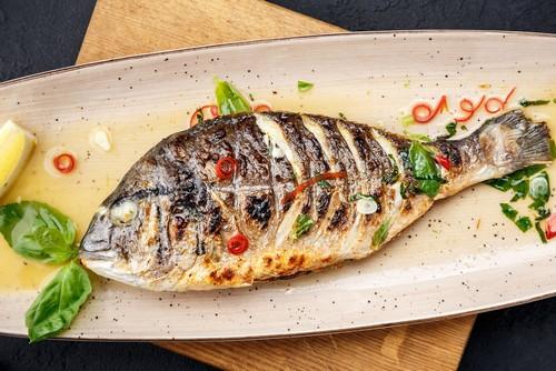 Жарим рыбу на гриле – полезная альтернатива шашлыку