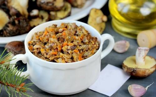 Вкусняшка из леса – грибная икра из опят на зиму: 2 рецепта