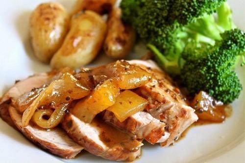 Мясо и груши – отличное сочетание: 3 интересных рецепта