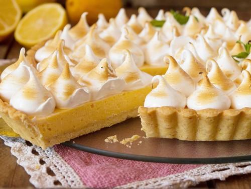 Освежающий лимонный пирог – два простых рецепта