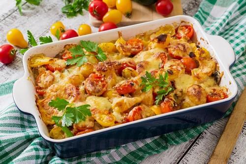 Картошка с мясом в духовке – 3 способа преобразить простое блюдо