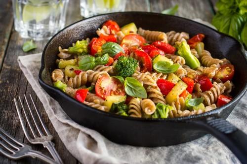 Как приготовить вкусное блюдо за небольшие деньги: 7 бюджетных рецептов