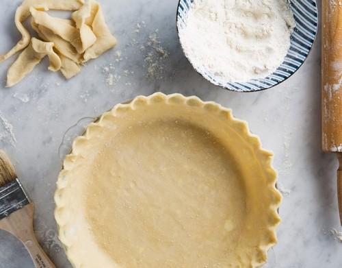 Тертый пирог с яблоками и корицей для сладкого осеннего чаепития