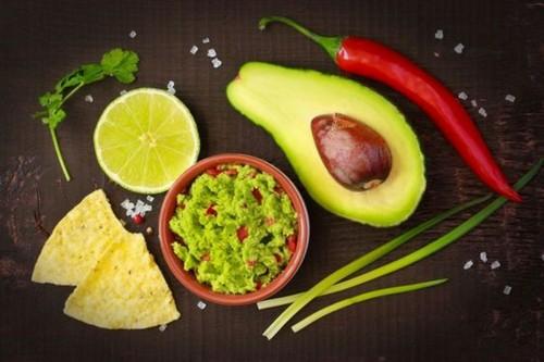 Готовим гуакамоле – три рецепта для начинающих