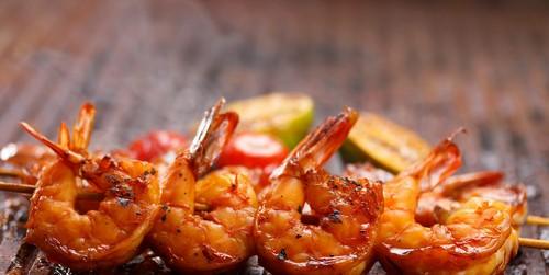 5 оригинальных блюд, которые можно приготовить на мангале