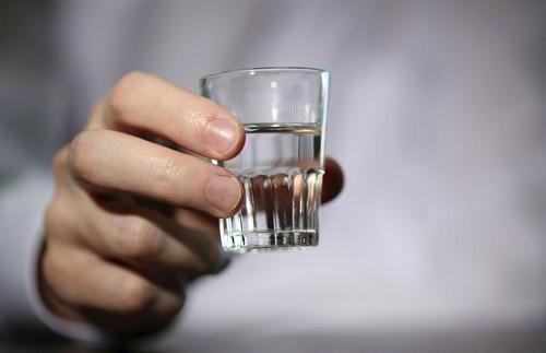 Привычные блюда и напитки, которые лучше не ставить на новогодний стол 2021