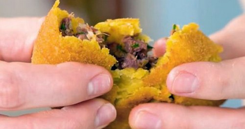 5 интересных способов подачи картофельного пюре к новогоднему столу 2021